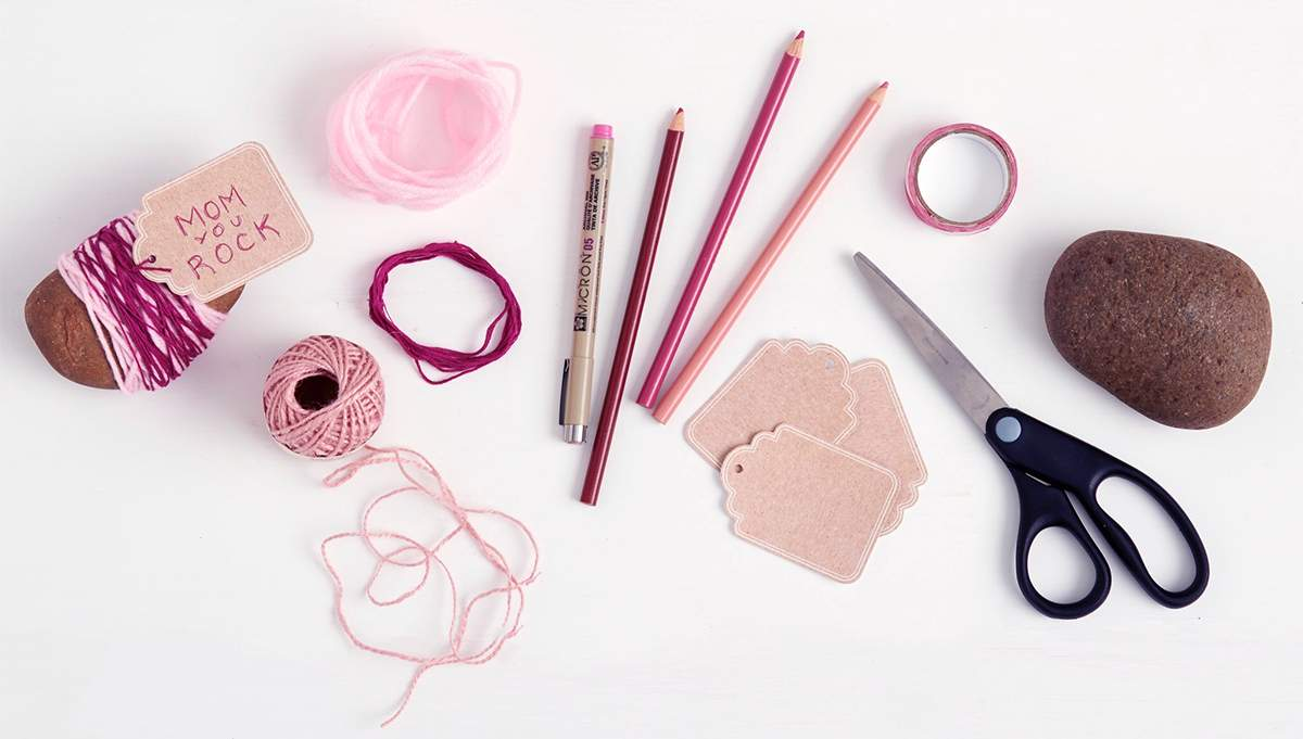 Crafting. Photo by berries.com